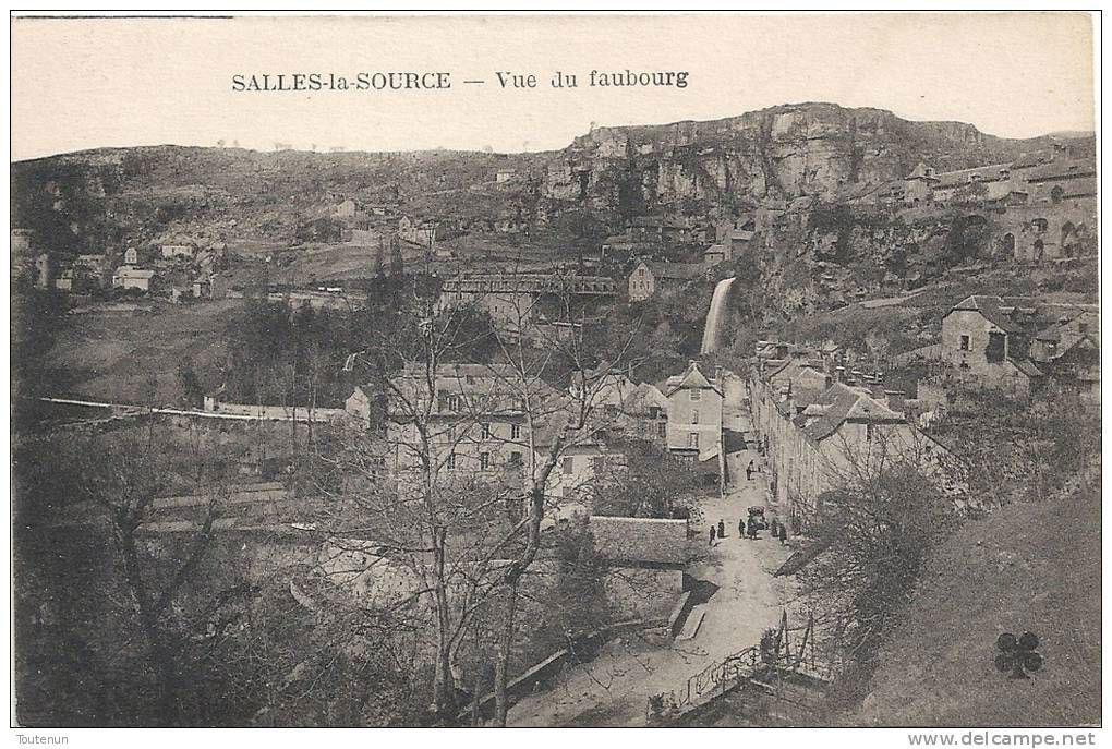 Salles-la-Source - vue du Faubourg